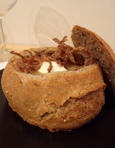 La soupe à l'oignon boulangère