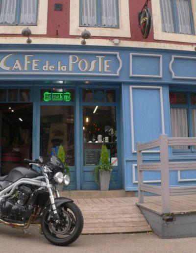 Façade Café de la Poste Triumph